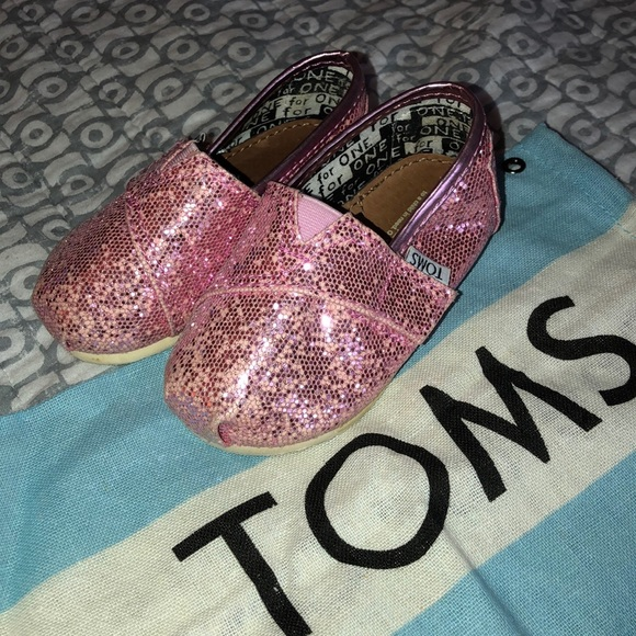 Toms Other - Pink Glitter Toms reposhed
